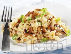Ризото с гъби печурки, масло, домат, бяло вино, морков и кашкавал - снимка на рецептата